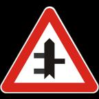 1103-4 Križišče prednostne in neprednostne ceste