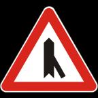 1104-1 Križišče s priključkom neprednostne ceste na prednostno pod ostrim kotom